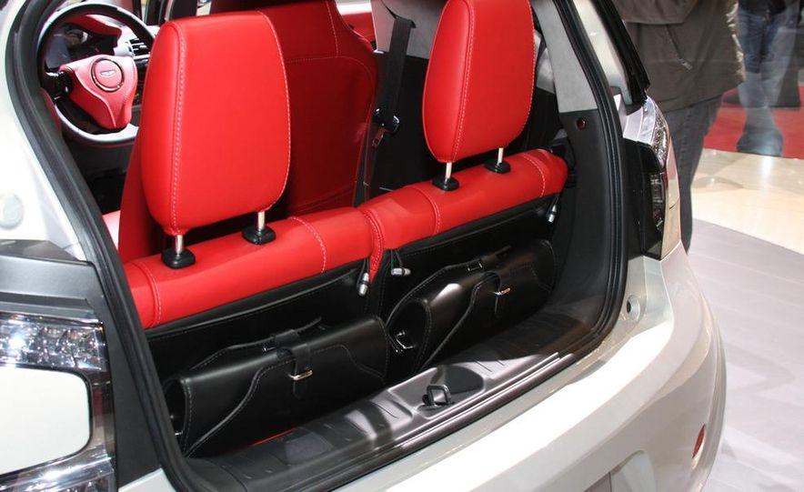 2011 Aston Martin Cygnet - Slide 14