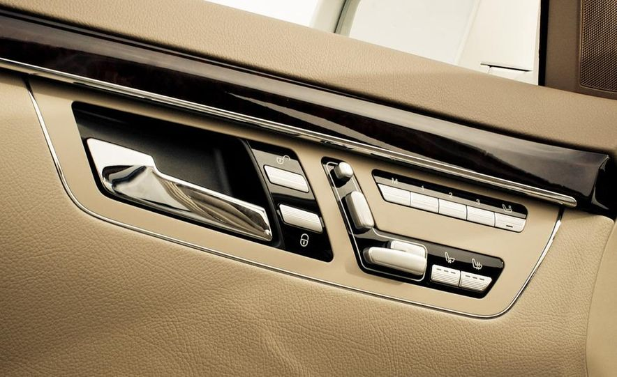 2010 Mercedes-Benz S400 Hybrid - Slide 29