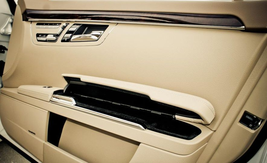 2010 Mercedes-Benz S400 Hybrid - Slide 25