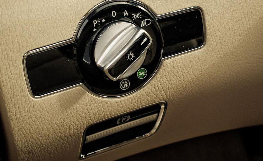 2010 Mercedes-Benz S400 Hybrid - Slide 23
