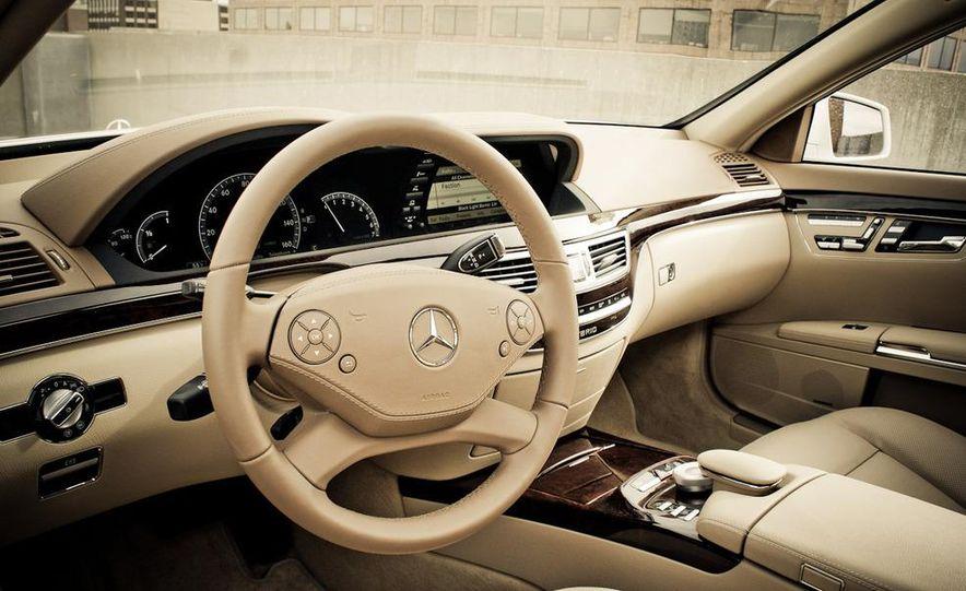 2010 Mercedes-Benz S400 Hybrid - Slide 19