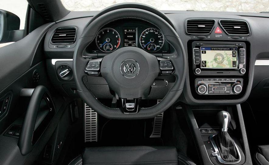 2010 Volkswagen Scirocco R - Slide 20