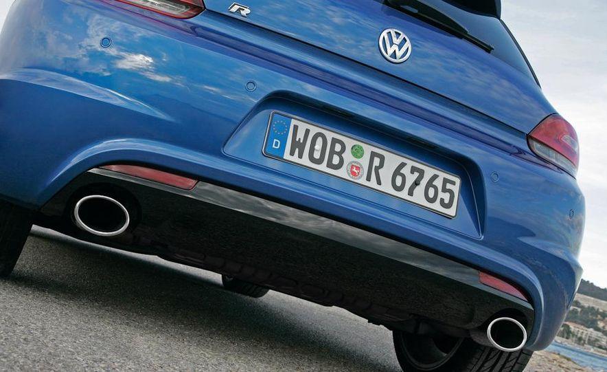 2010 Volkswagen Scirocco R - Slide 14