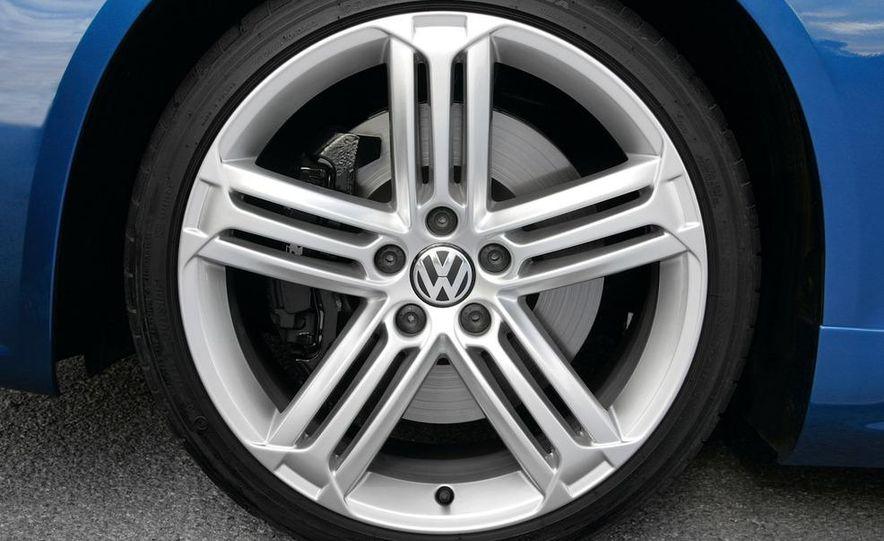 2010 Volkswagen Scirocco R - Slide 18
