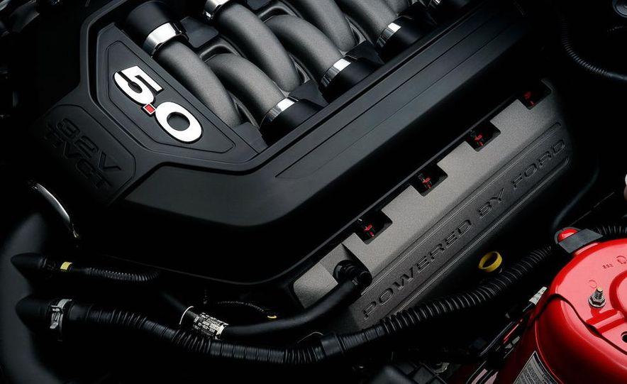 2011 Ford Mustang GT - Slide 32