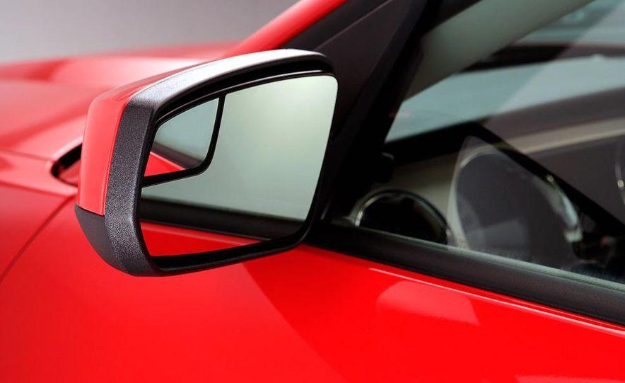 2011 Ford Mustang GT - Slide 29
