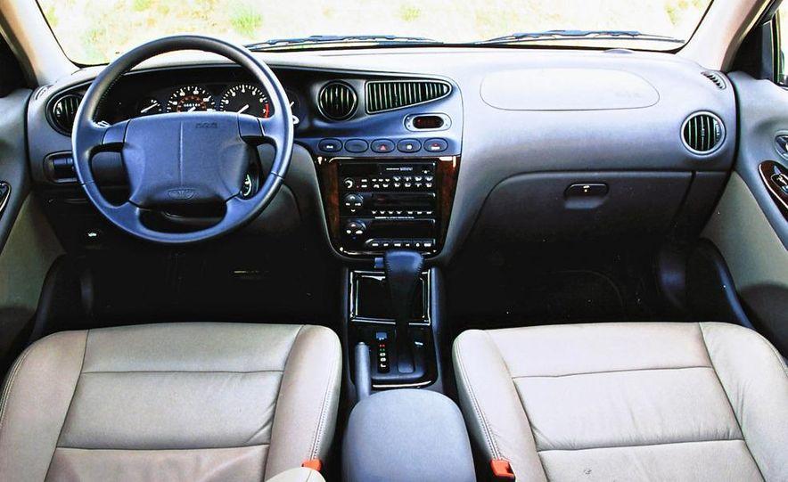 2008 Bugatti Veyron 16.4 interior - Slide 18