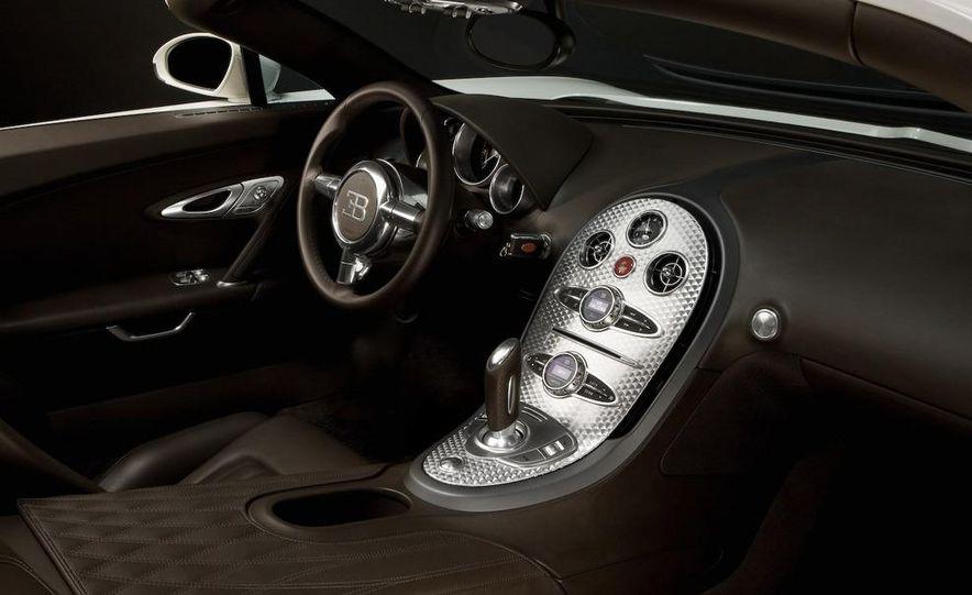 2008 Bugatti Veyron 16.4 interior - Slide 7