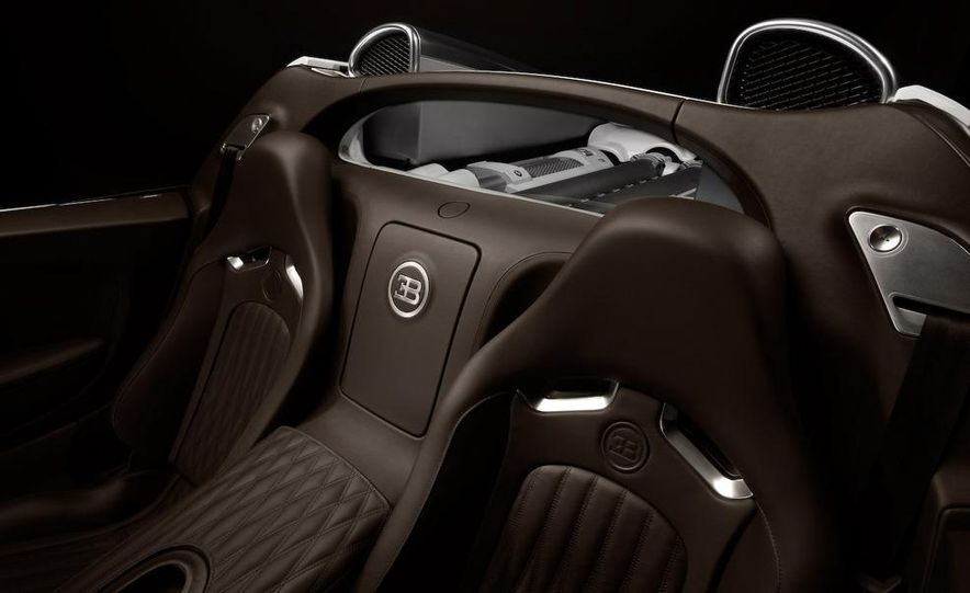 2008 Bugatti Veyron 16.4 interior - Slide 8