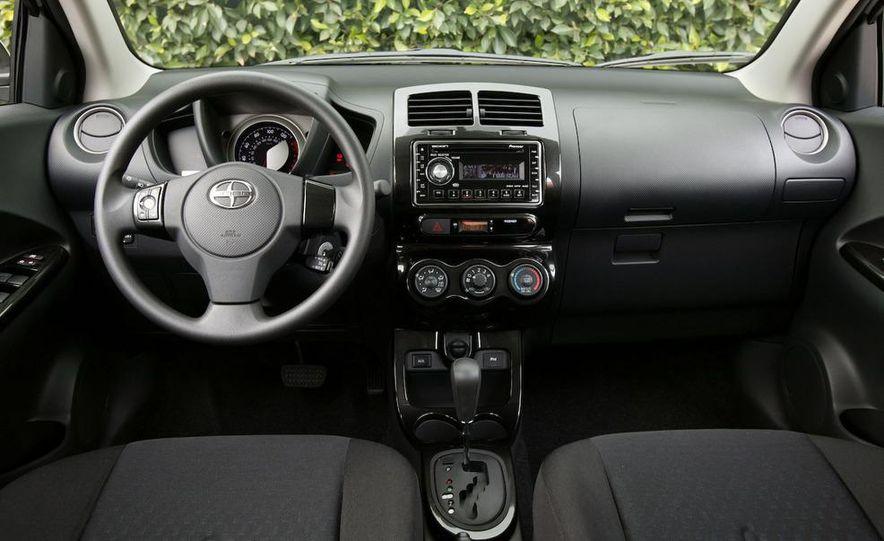 2008 Bugatti Veyron 16.4 interior - Slide 203