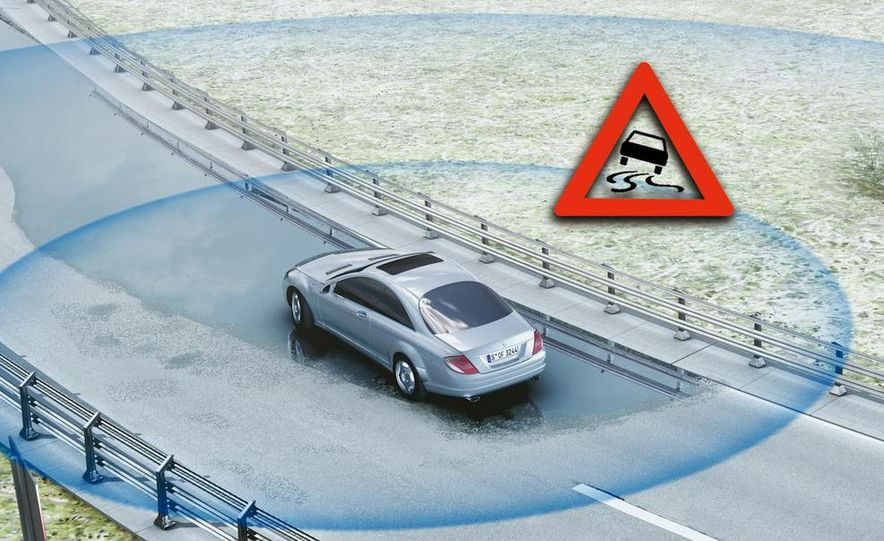 Electronic stability control: Mercedes-Benz Electronic Stability Program illustration - Slide 1