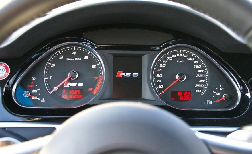 2010 Audi RS6 Avant - Slide 23