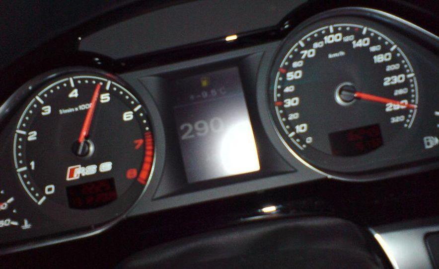 2010 Audi RS6 Avant - Slide 24