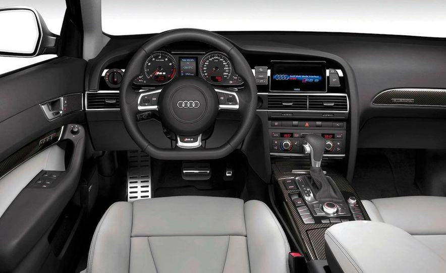 2010 Audi RS6 Avant - Slide 22