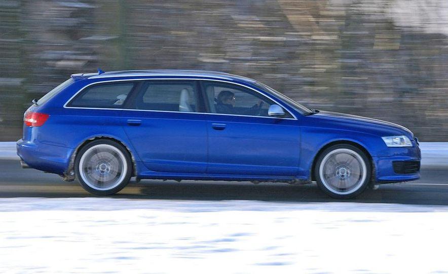 2010 Audi RS6 Avant - Slide 1