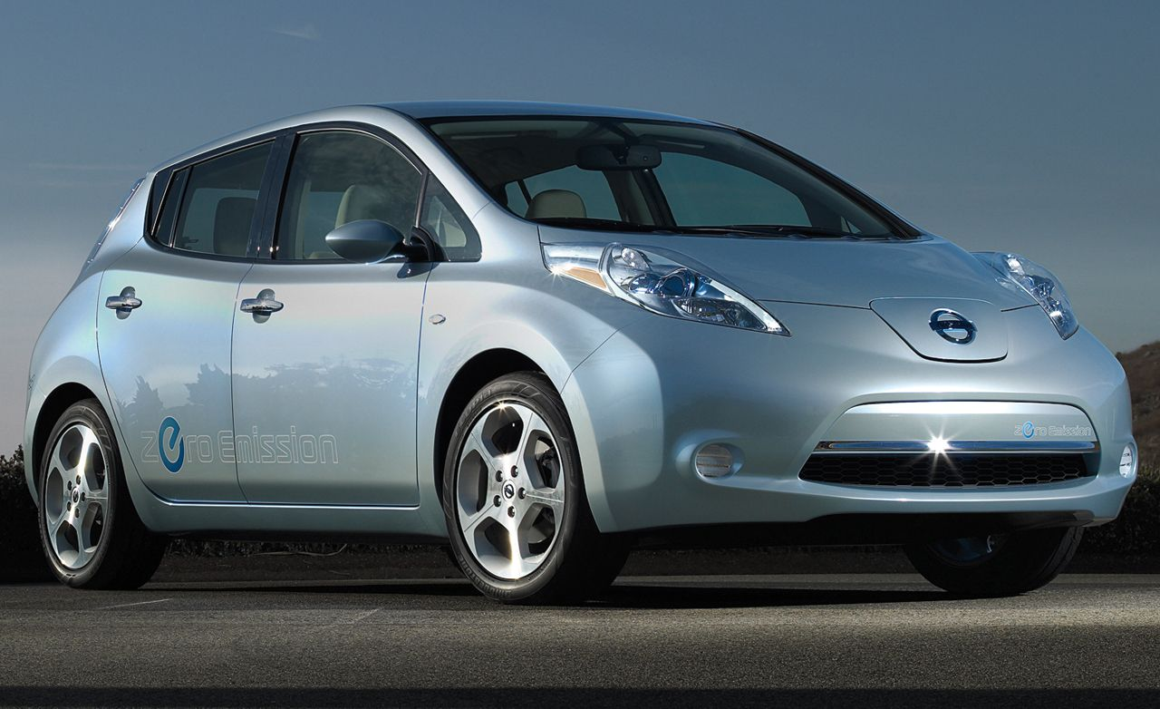 Nissan leaf reviews nissan leaf price photos and specs car 2011 nissan leaf vanachro Gallery