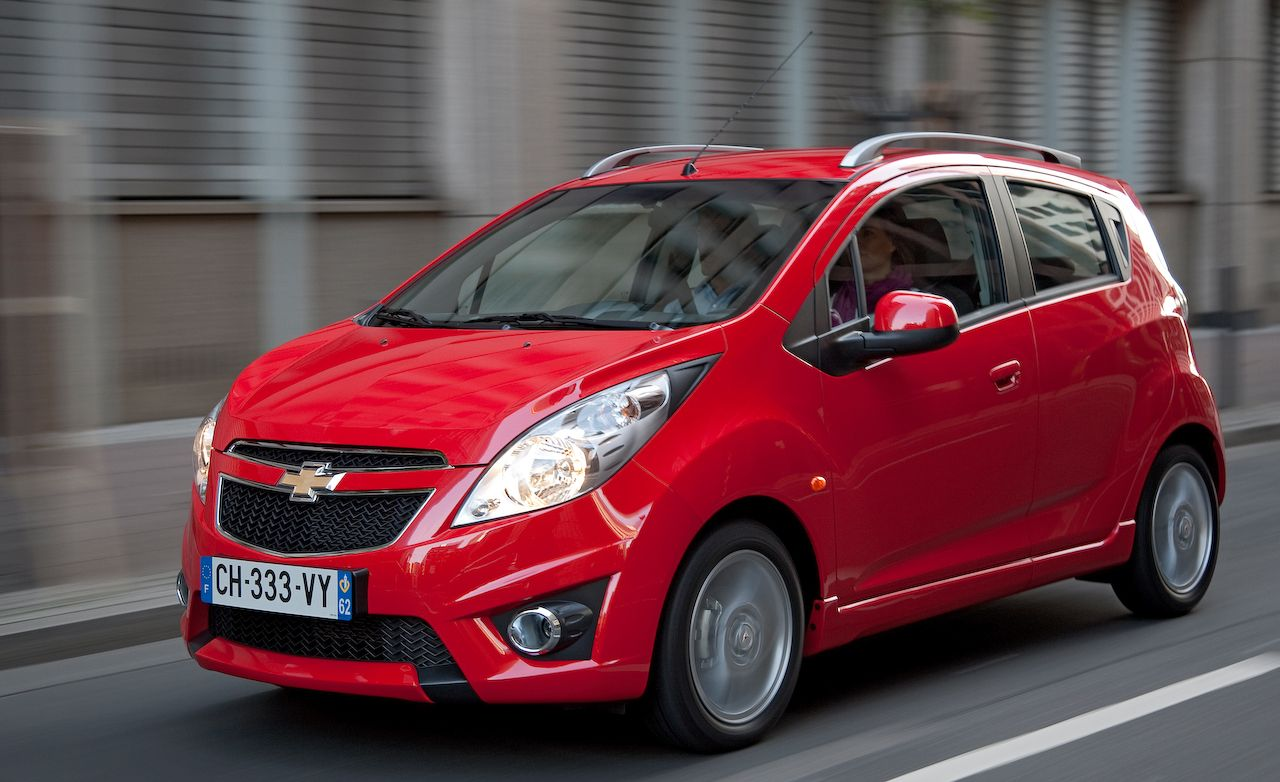 2010 2012 chevrolet spark review car and driver rh caranddriver com chevrolet spark 2010 owners manual Chevrolet Spark Manual Transmission