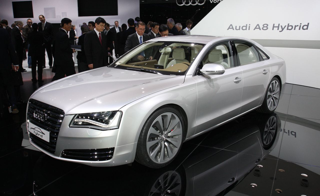 Audi A8 Reviews Audi A8 Price Photos And Specs Car And Driver