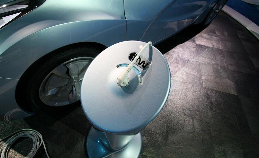 Hyundai Blue-Will concept - Slide 10