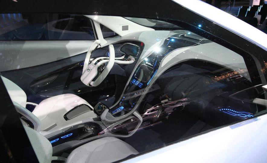 Hyundai Blue-Will concept - Slide 15