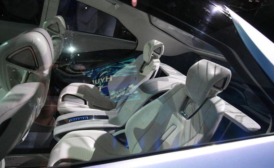 Hyundai Blue-Will concept - Slide 18