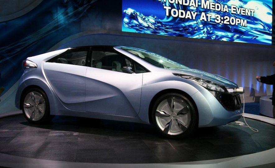 Hyundai Blue-Will concept - Slide 1