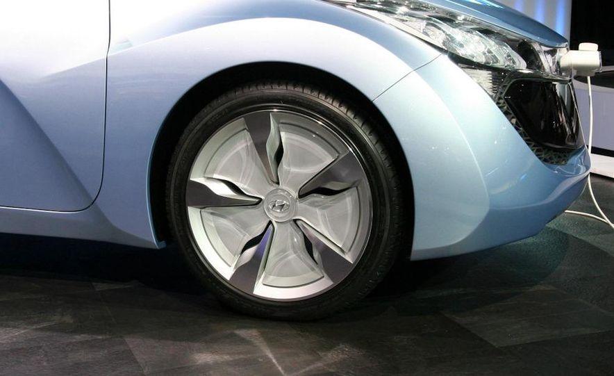 Hyundai Blue-Will concept - Slide 9