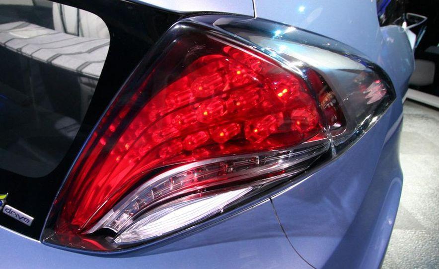 Hyundai Blue-Will concept - Slide 11