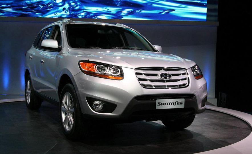 2010 Hyundai Santa Fe - Slide 1