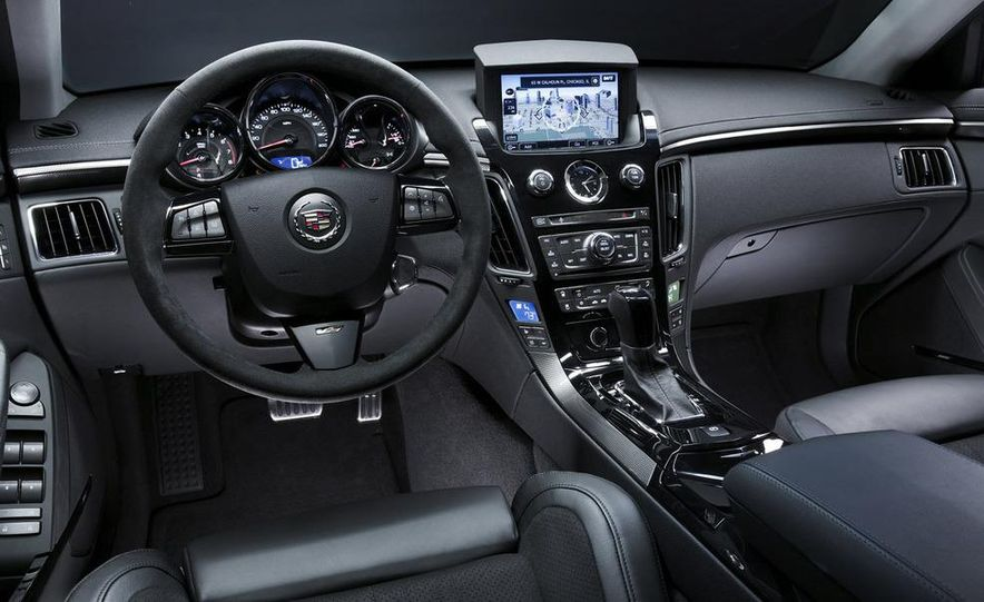 2011 Cadillac CTS-V coupe - Slide 62