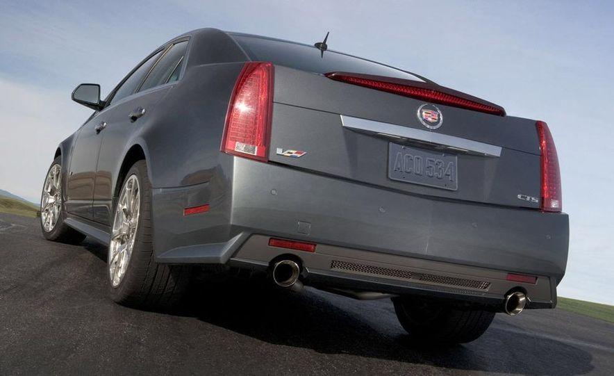 2011 Cadillac CTS-V coupe - Slide 46