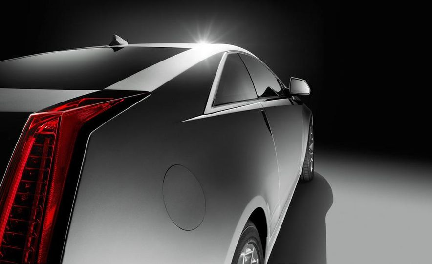 2011 Cadillac CTS-V coupe - Slide 30