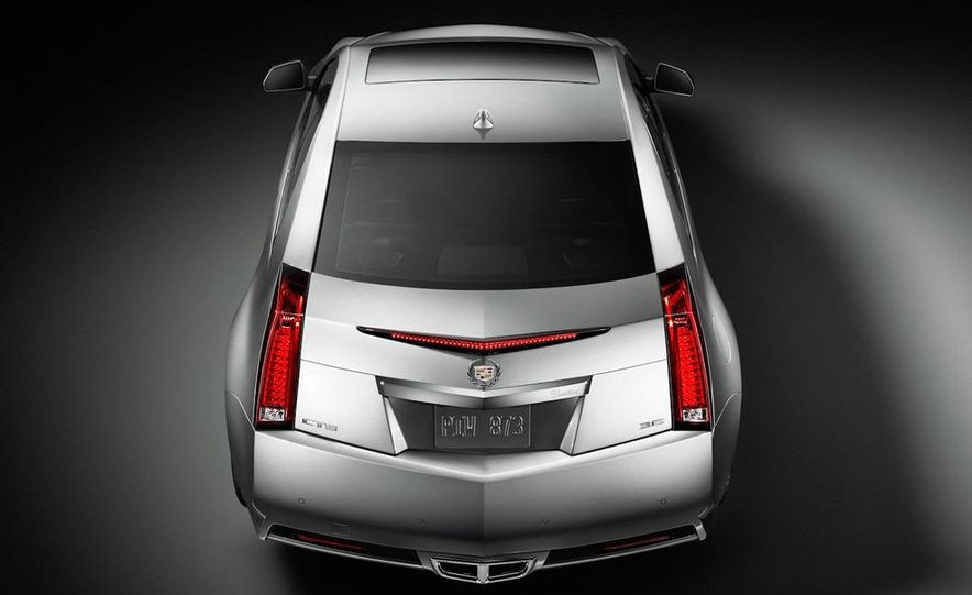 2011 Cadillac CTS-V coupe - Slide 33