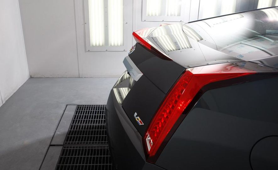 2011 Cadillac CTS-V coupe - Slide 13