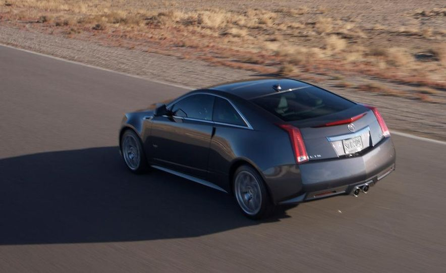 2011 Cadillac CTS-V coupe - Slide 22