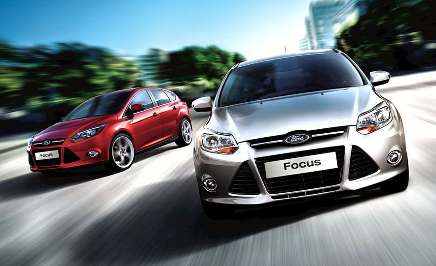 2010 Ford Focus five-door hatchback and 2012 Ford Focus sedan - Slide 12