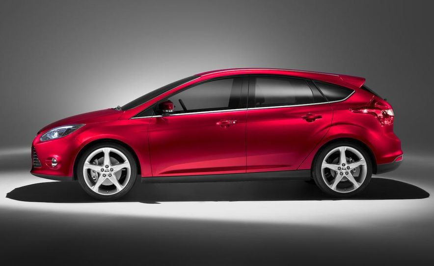 2010 Ford Focus five-door hatchback and 2012 Ford Focus sedan - Slide 21