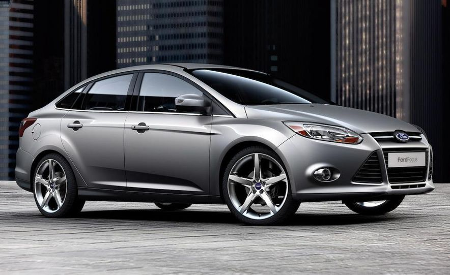 2010 Ford Focus five-door hatchback and 2012 Ford Focus sedan - Slide 25