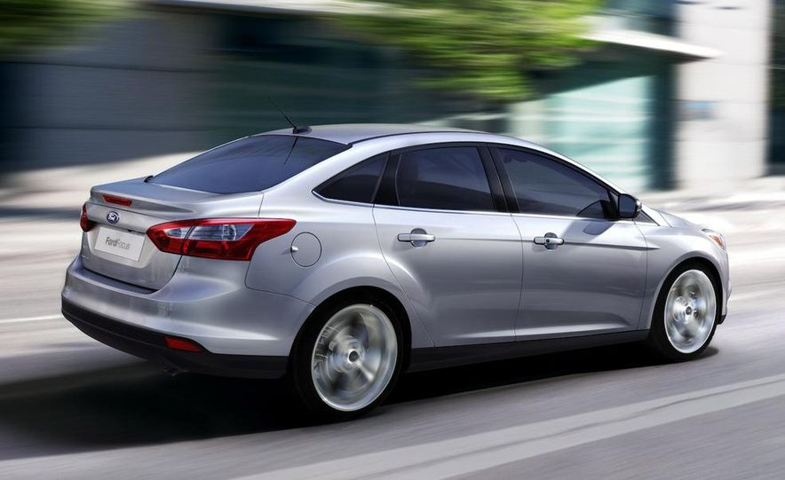 2010 Ford Focus five-door hatchback and 2012 Ford Focus sedan - Slide 27