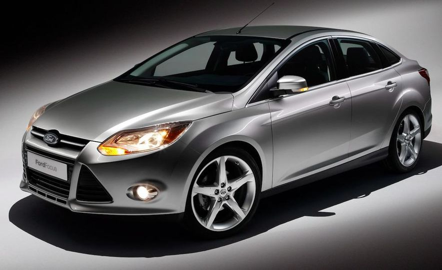 2010 Ford Focus five-door hatchback and 2012 Ford Focus sedan - Slide 29