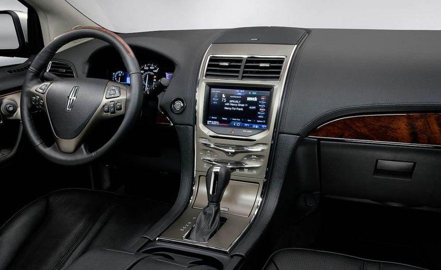 2011 Lincoln MKX - Slide 34