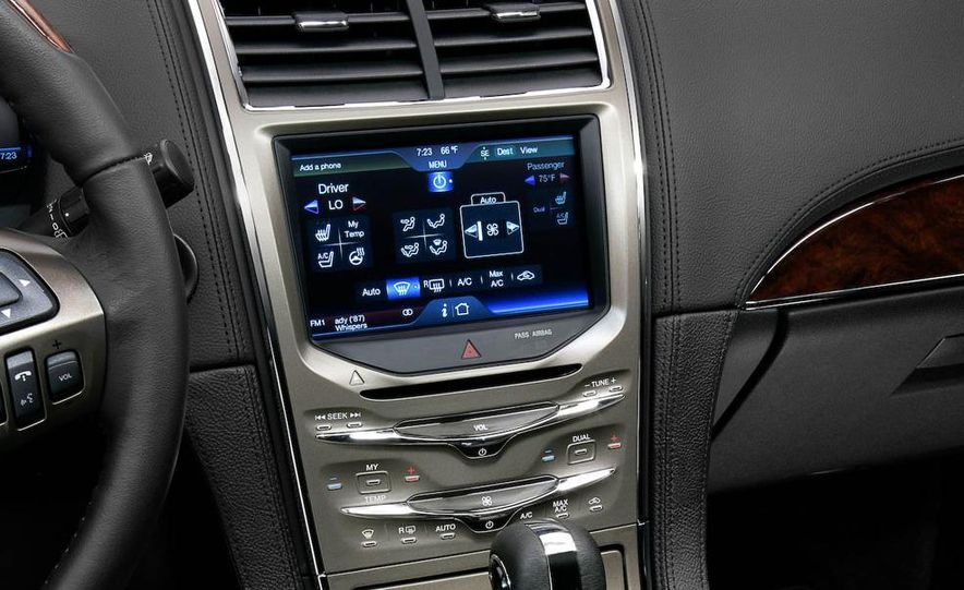2011 Lincoln MKX - Slide 35