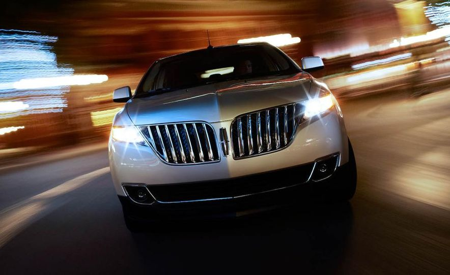 2011 Lincoln MKX - Slide 15