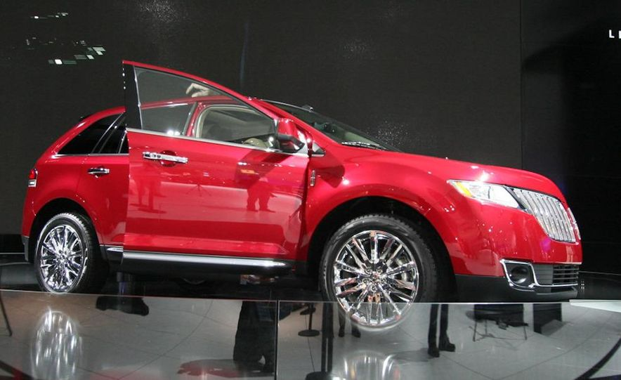 2011 Lincoln MKX - Slide 2