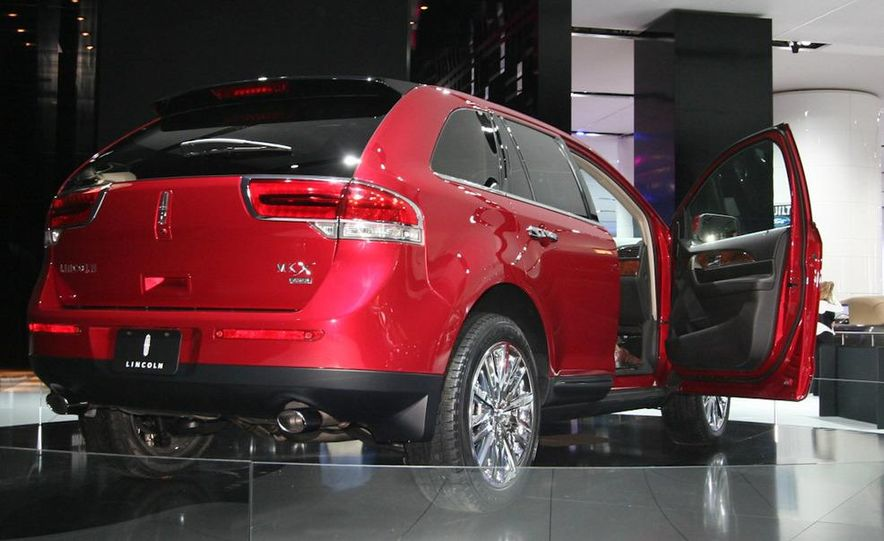 2011 Lincoln MKX - Slide 3