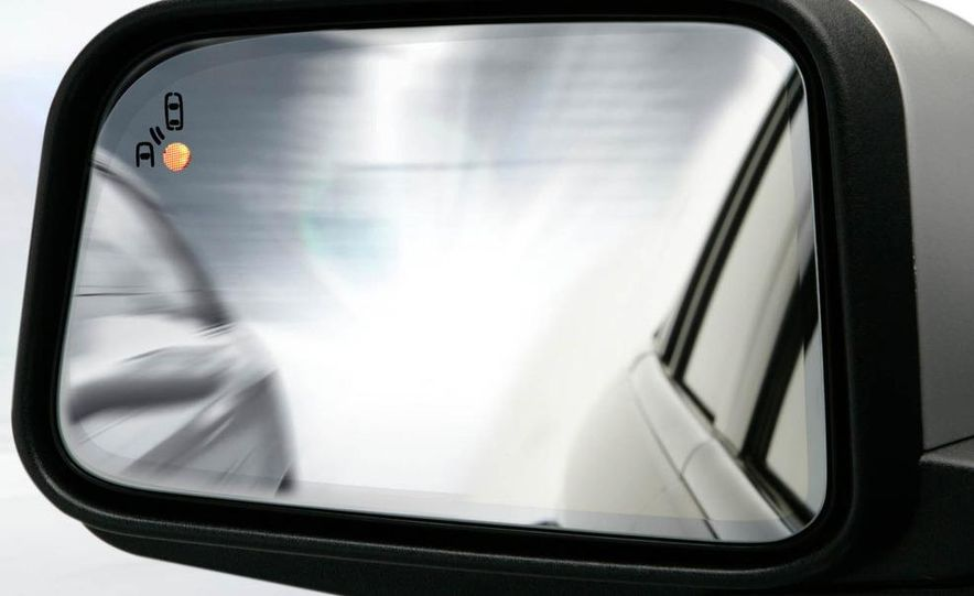 2011 Lincoln MKX - Slide 32
