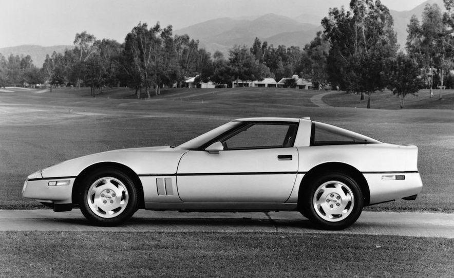 1984 Chevrolet Corvette coupe - Slide 5