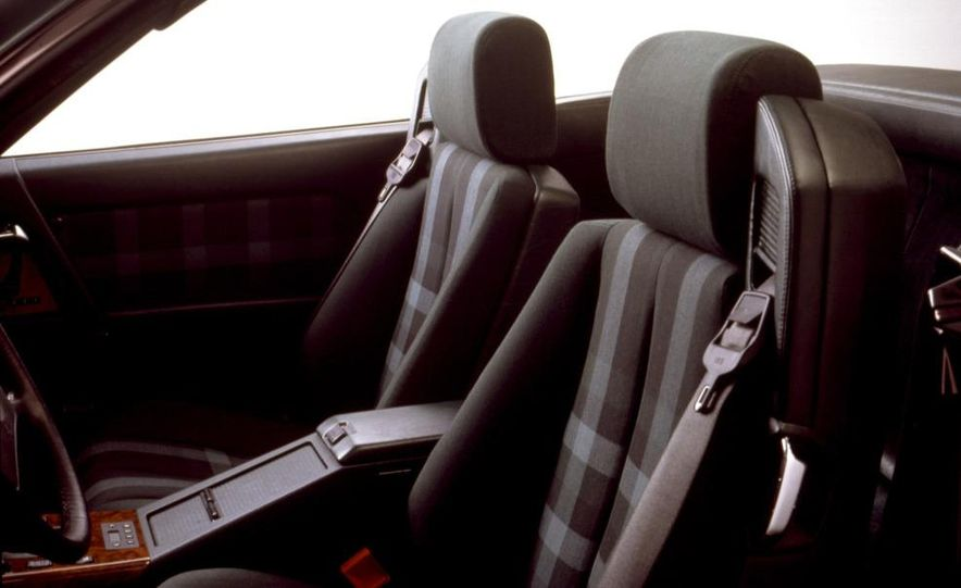 1984 Chevrolet Corvette coupe - Slide 12