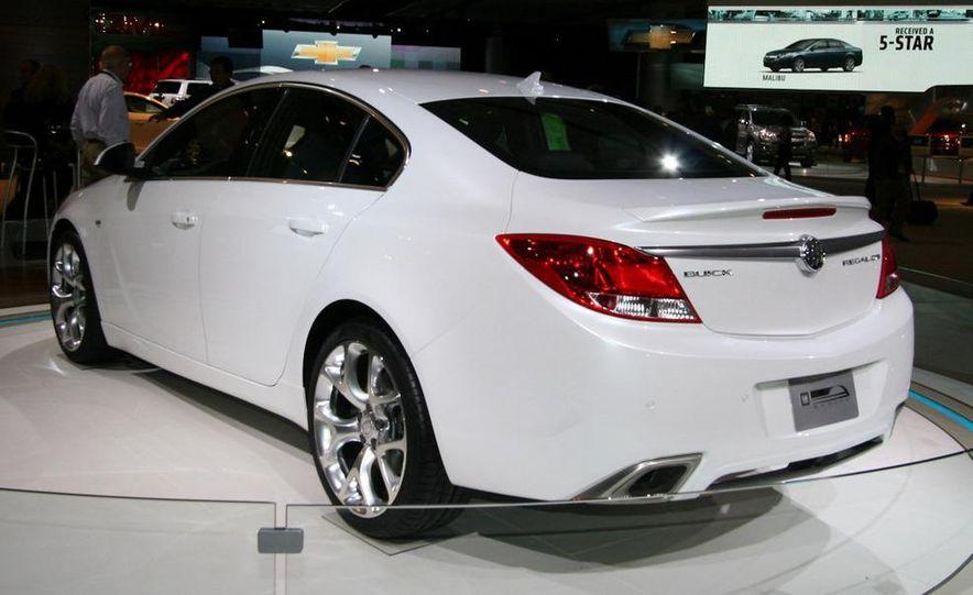 Buick Regal GS concept - Slide 4