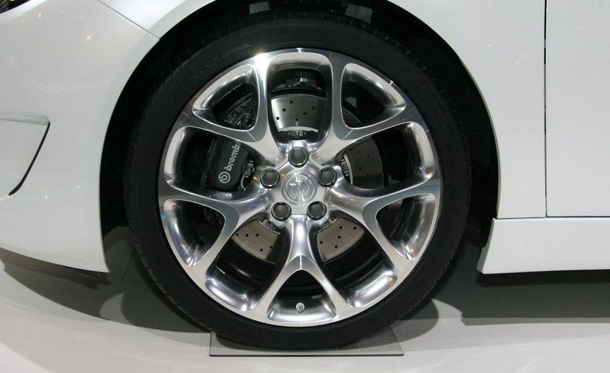 Buick Regal GS concept - Slide 10